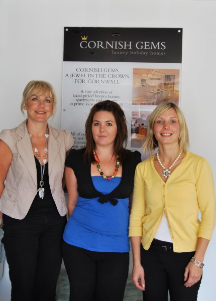 Administrator Emma Newsham (centre) with business partners Julianne Shelton (l) and Nadia Durrant
