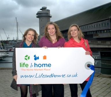 The Life&Home team: Magda Mrvova, Ivana Chapman and Rosie Cook. Photo by www.studiomag.co.uk