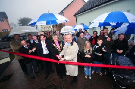 Kevin Lavery cuts the ribbon on the new development