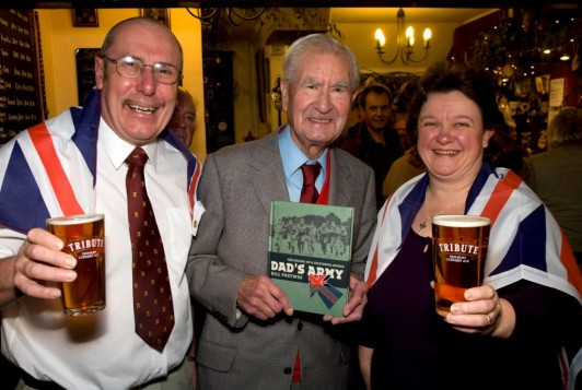Jubliee Landlord, Charlie Edgeler with Bill Pertwee and wife Carole Edgeler.