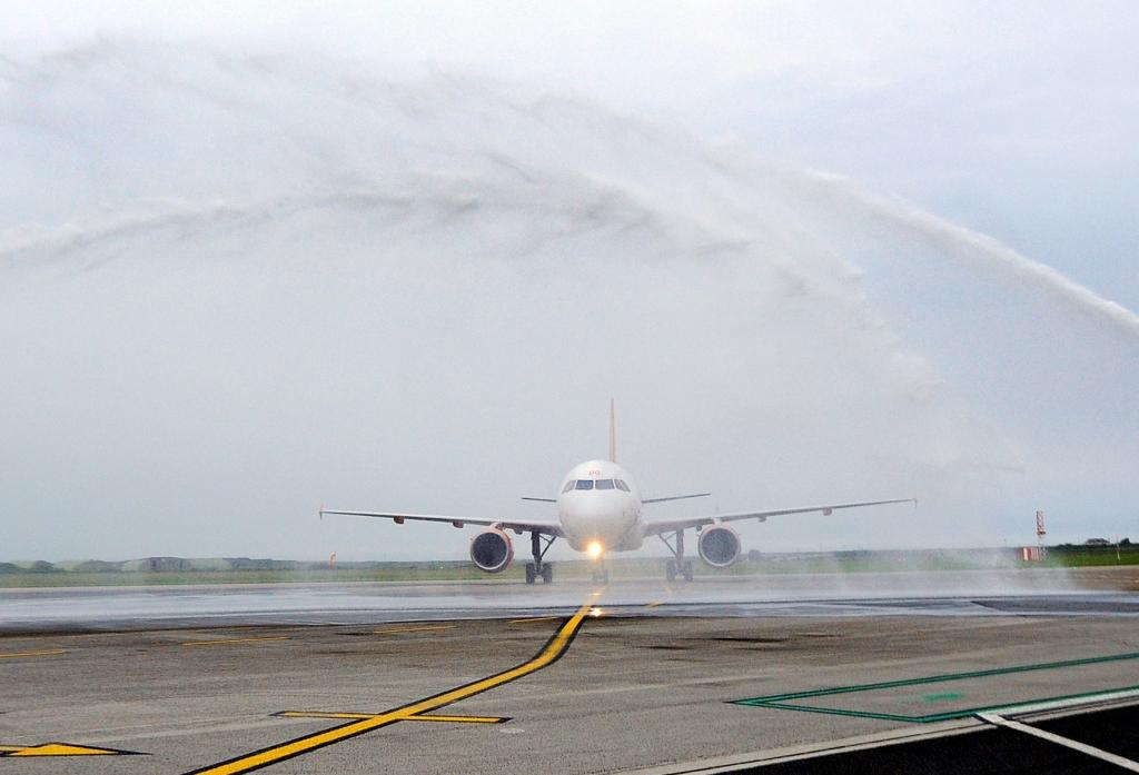 easyJet is given a 'water arch welcome' on its arrival at Newquay Airport