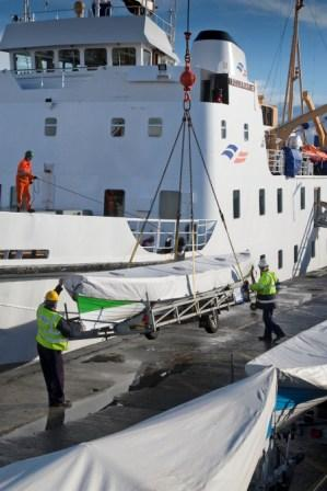 Gigs being loaded on the Scillonian III