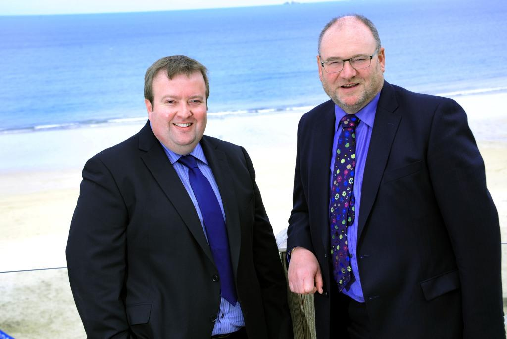 Mark Williams (l) and Paul Reed