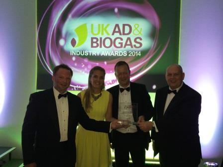 The proud Nijhuis H2OK team with the award
