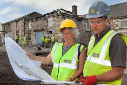 Tamsin Daniel and Midas site manager Phil Kitchener on the King Edward Mine workspace development site