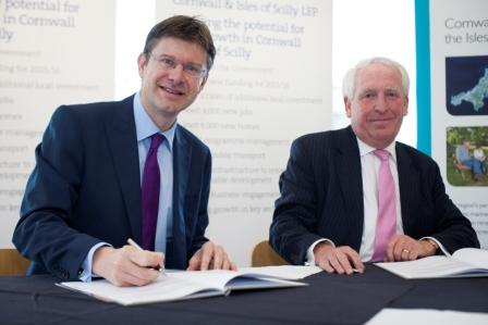Government minister Greg Clark (l) with LEP chairman, Chris Pomfret