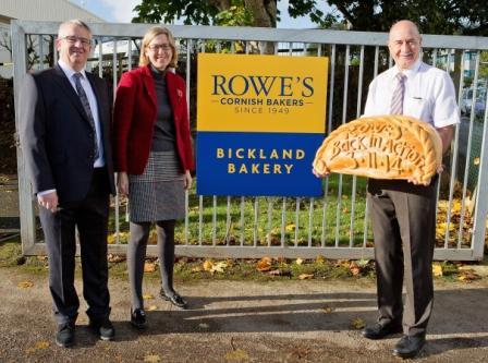 L-R: Kerry Lynch, Sarah Newton MP, and Alan Pearce