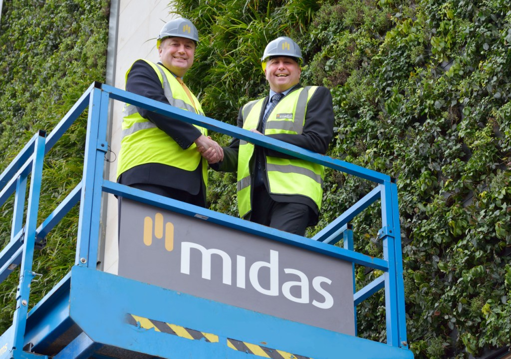 Alan Hope (l) with new Devon and Cornwall director, Andy McAdam