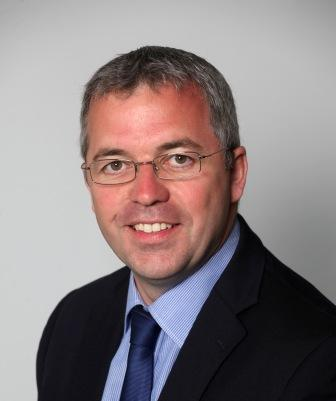 Simon Howes
