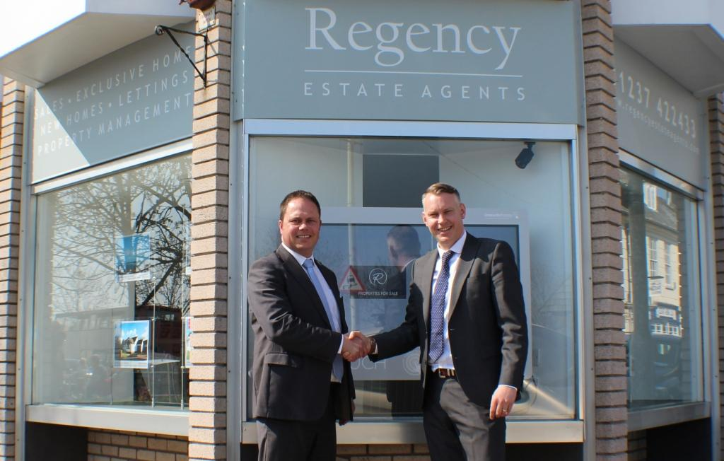 AFWM mortgage advisor Andrew Waterhouse (l) and Regency director Neil Armstrong