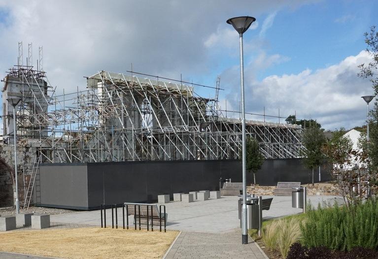 kresen-kernow-building-under-scaffolding-image-courtesy-of-mike-eddowes
